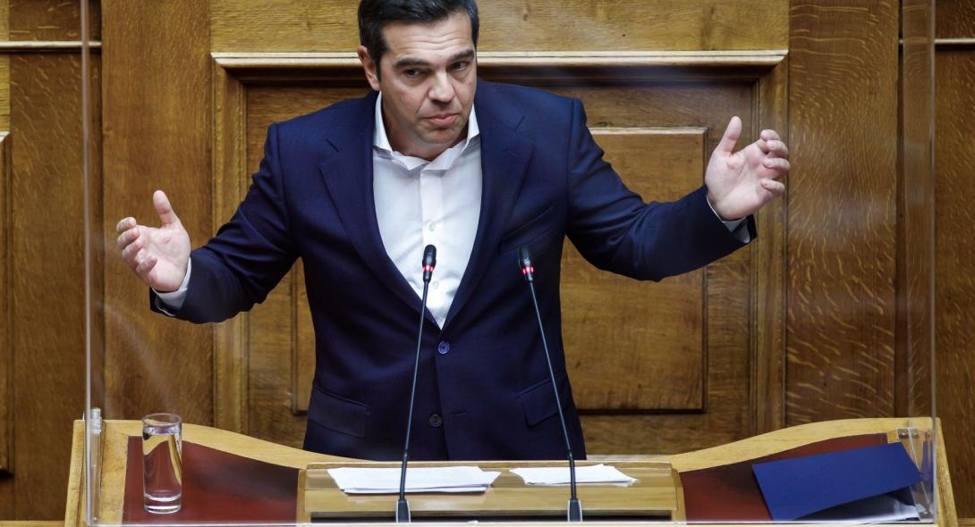 Τσίπρας για Μητσοτάκη: Κυβερνάει την Ελλάδα ή το Λουξεμβούργο;