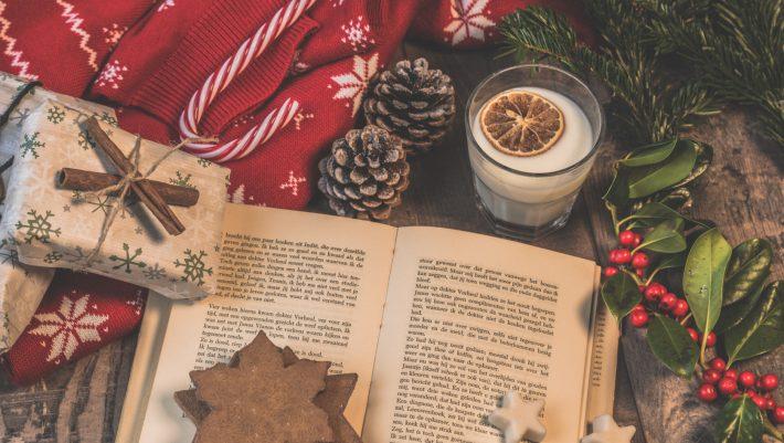 7 βιβλία για να διαβάσεις δίπλα στο χριστουγεννιάτικο δέντρο...