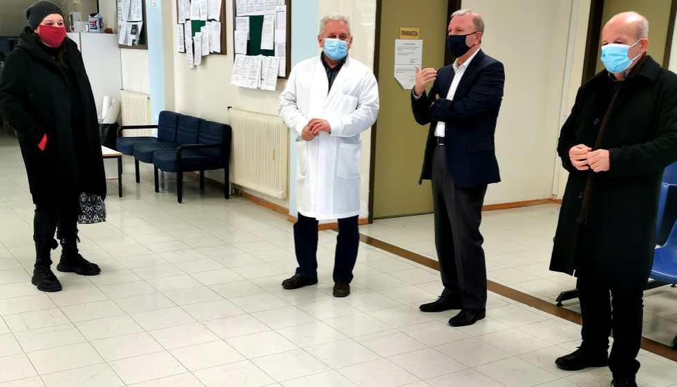 Κλιμάκιο του ΣΥΡΙΖΑ  επισκέφτηκε το Κέντρο Υγείας Καλαμπάκας
