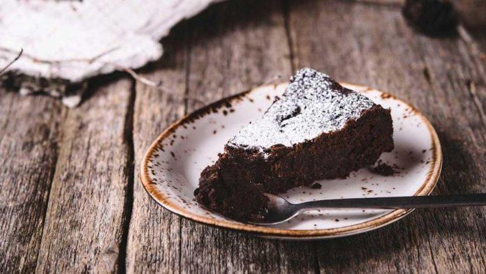 Λαχταριστό κέικ σοκολάτας χωρίς βούτυρο