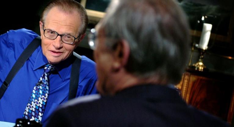 Πέθανε, σε ηλικία 87 ετών, ο γνωστός δημοσιογράφος Λάρι Κινγκ