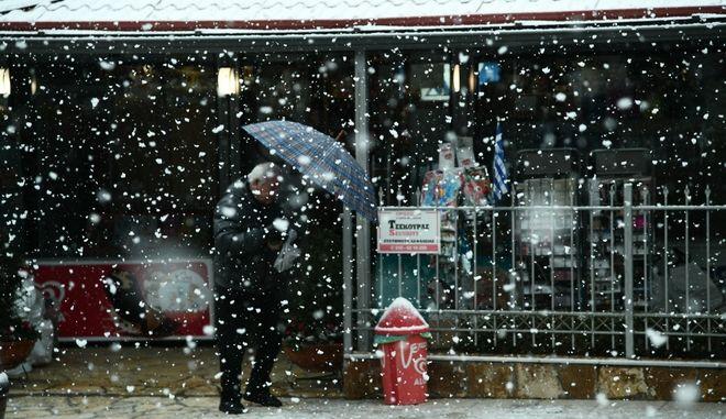 Βροχές και καταιγίδες στα νότια θαλάσσια τμήματα και χιονοπτώσεις στα κεντρικά και βόρεια