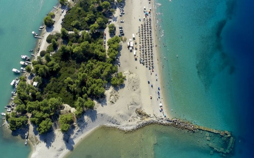 Θεοχάρης: Καταστρώνουμε σχέδιο για το πώς θα ανοίξει ο τουρισμός