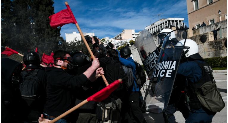 Πανεκπαιδευτικά συλλαλητήρια: Ένταση και χημικά σε Αθήνα και Θεσσαλονίκη