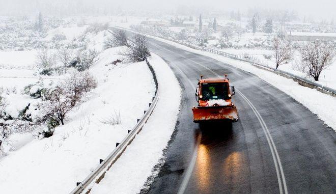 Κρύο καιρό και χιονοπτώσεις δείχνουν τα μετεωρολογικά στοιχεία
