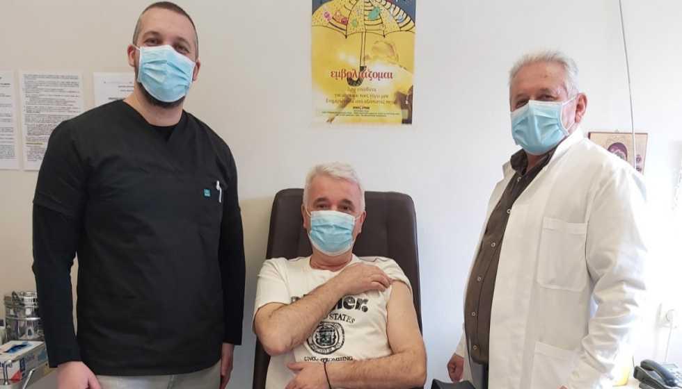 Εμβολιάστηκε στο Κ.Υ. Καλαμπάκας ο Δήμαρχος Μετεώρων