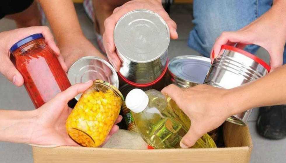 Διανομή προϊόντων παντοπωλείου στους δικαιούχους του ΚΕΑ από το Δήμο Μετεώρων