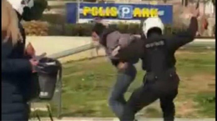 ΕΛΑΣ: Σε διαθεσιμότητα ο αστυνομικός για τον ξυλοδαρμό πολίτη στην Νέα Σμύρνη