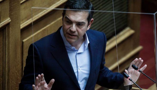 Τσίπρας: Να παραιτηθεί η Κεραμέως για το