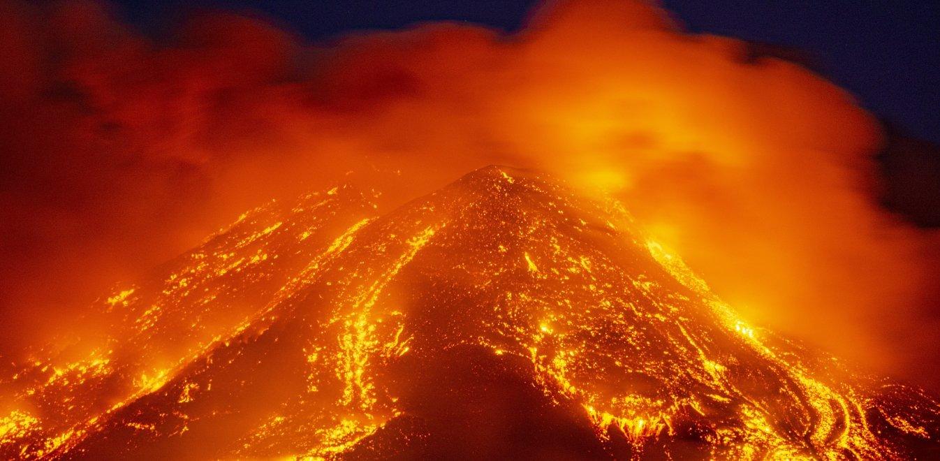 Αίτνα: Η τέφρα από το ηφαίστειο έφτασε σε 6 ώρες στην Αθήνα
