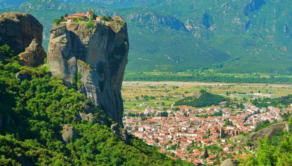 Δήμος Μετεώρων: Εφιστά την αποφυγή διέλευσης μονοπατιών στα ριζά των Μετεώρων