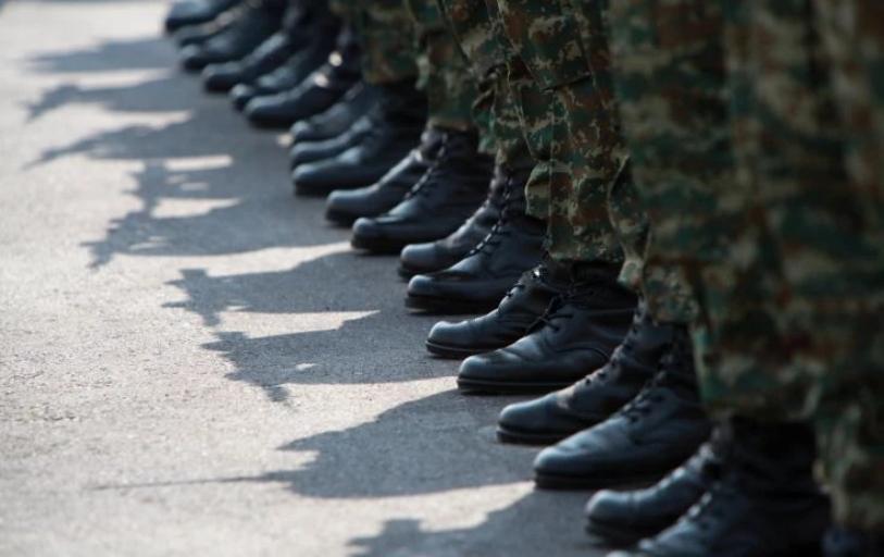 Τι ισχύει με τη μειωμένη στρατιωτική θητεία και τα παιδιά των τρίτεκνων