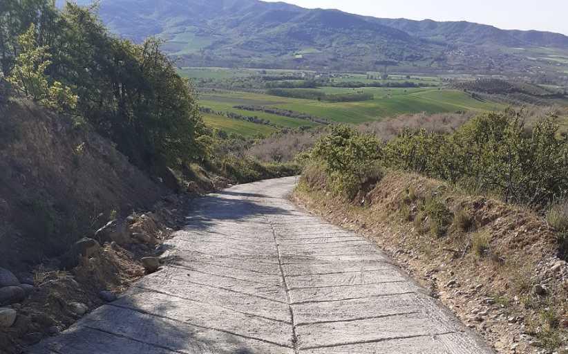ΔΗΜΟΣ ΜΕΤΕΩΡΩΝ: Τσιμεντόστρωση αγροτικού δρόμου στην Κοινότητα Αύρας