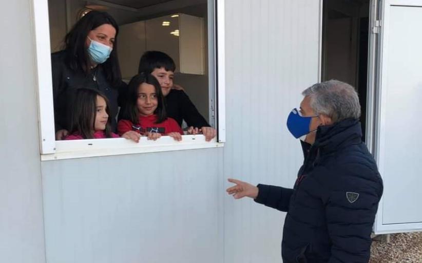 197 οικογένειες εγκαταστάθηκαν σε οικίσκους και τροχόσπιτα ένα μήνα μετά τον καταστροφικό σεισμό