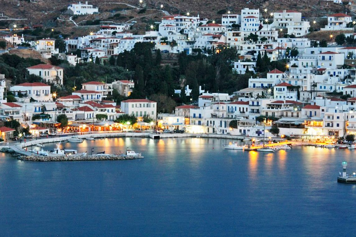 Der Spiegel: Οι 7 κορυφαίοι νησιωτικοί προορισμοί στην Ελλάδα με πρώτη την Άνδρο