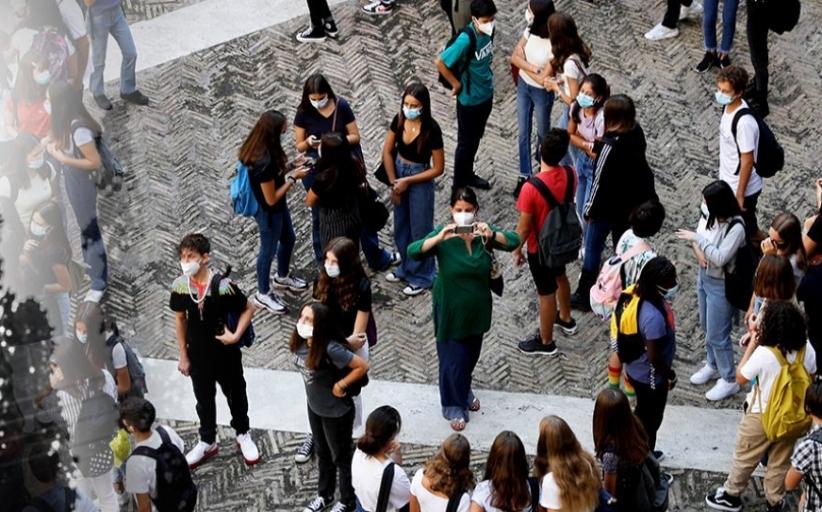 Σχολεία: «Χαράτσι» 10 ευρώ στους γονείς εάν κάνουν λάθος self test στα παιδιά