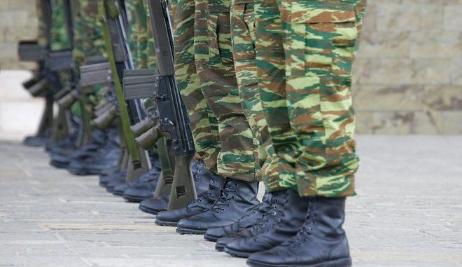 Στρατιωτική θητεία: Από τον Μάιο στους 12 μήνες όλοι - Η επιλογή για 9μηνο