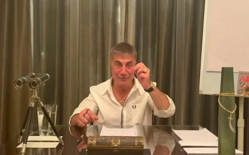 Τουρκία: Ο αρχιμαφιόζος Πεκέρ «σφυροκοπά» ξανά τον Ερντογάν – «Στηρίζουν ρατσιστές στη Βόρεια Μακεδονία»