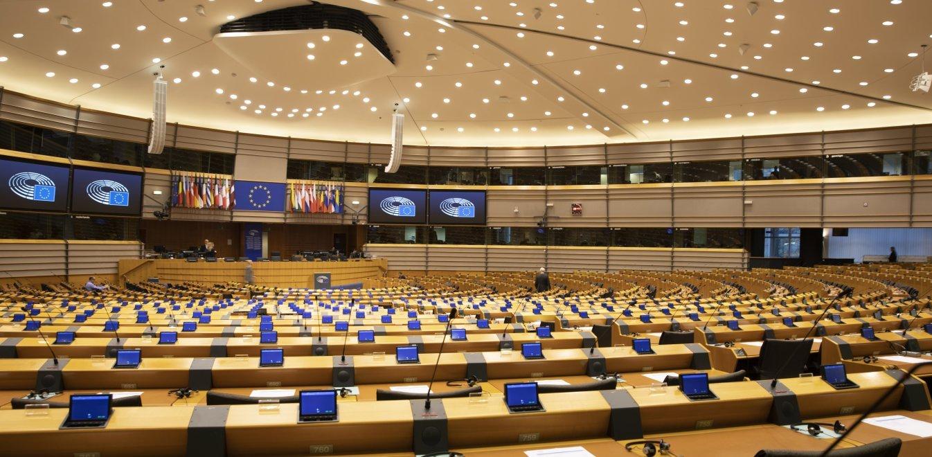 ΕΕ: Οργή για τον ουγγρικό νόμο κατά της ομοφυλοφιλίας