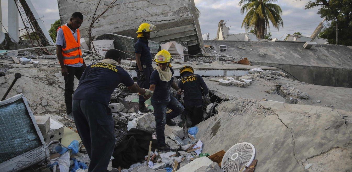 Σεισμός στην Αϊτή: Στους 724 αυξήθηκε ο αριθμός των νεκρών