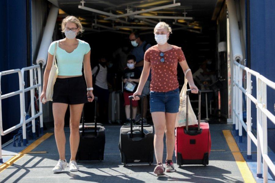 Μένουν τα μέτρα στη μετακίνηση εκτός νομού - Τέλος στα δωρεάν test