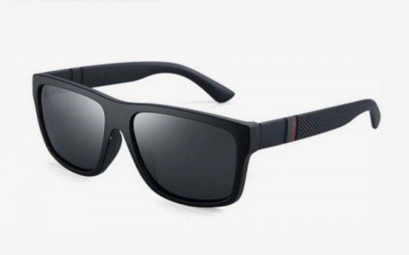 Βρέθηκαν στο χώρο του γενικού λυκείου Καλαμπάκας γυαλιά ηλίου.