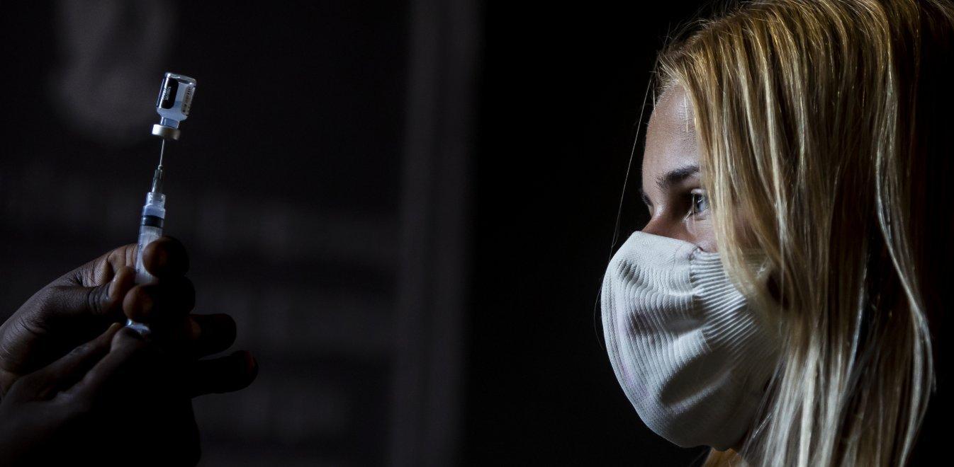 Υποχρεωτικός εμβολιασμός: Όχι από ΣτΕ σε αίτημα για αναστολή στους υγειονομικούς