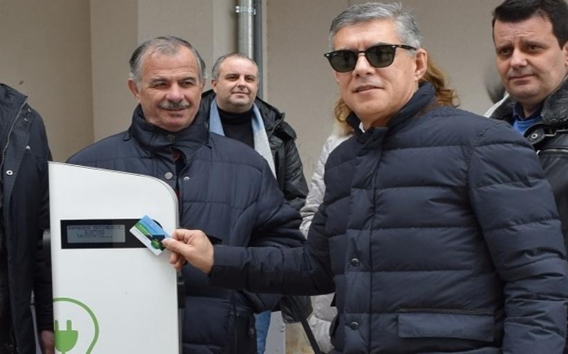 Σταθμοί φόρτισης ηλεκτρικών οχημάτων από την Περιφέρεια Θεσσαλίας
