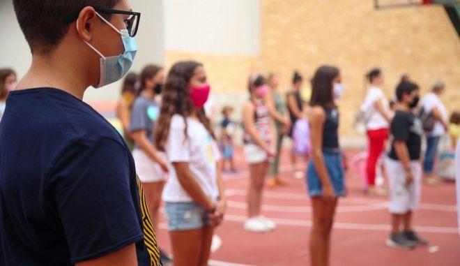 Παπαευαγγέλου: Μάσκες και τεστ περιορίζουν κατά 85% την μετάδοση του ιού στα σχολεία