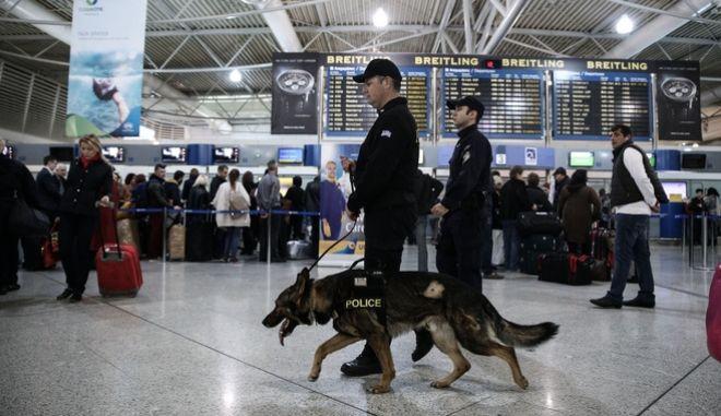 Κατάπιε 40 φιξάκια κοκαΐνης για να τα περάσει από το αεροδρόμιο