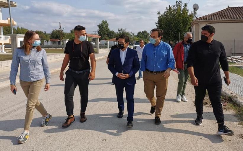 Δ. Τρικκαίων: Τα έργα στον οικισμό Ρομά στο Κηπάκι επισκέφθηκε ο ΓΓ Κοινωνικής Αλληλεγγύης