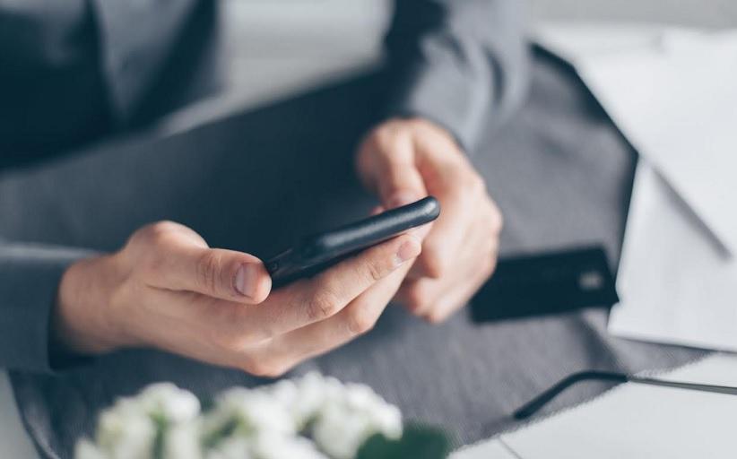 Εργαστήρια στη χρήση κινητών τηλεφώνων