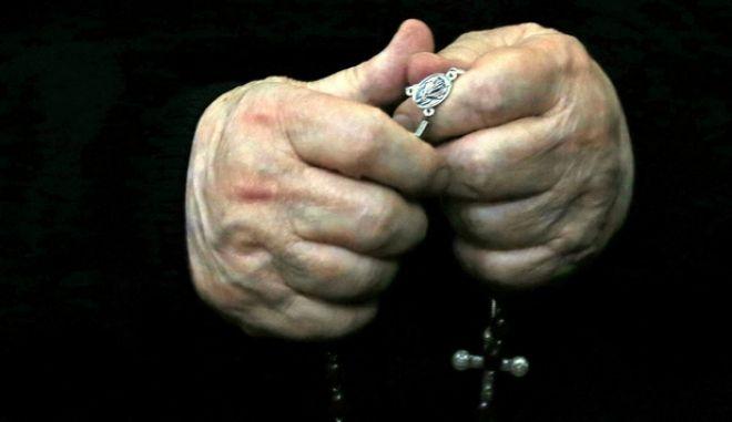 Φρίκη στη Γαλλία: 3.000 παιδόφιλοι κληρικοί κακοποίησαν τουλάχιστον 330.000 νεαρά αγόρια