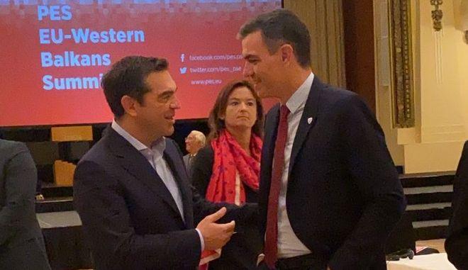 Τσίπρας: Ο κ. Μητσοτάκης δεν κυρώνει τα μνημόνια με τη Βόρεια Μακεδονία υπό το φόβο των Μπογδάνων της ΝΔ