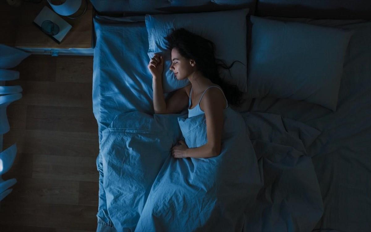 Πώς οι λαμπτήρες LED μας «κόβουν» τον ύπνο